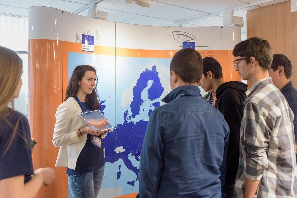 open-doors-2017-students-in-the-house-of-europe